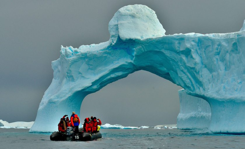 stranded american scientists in antartica