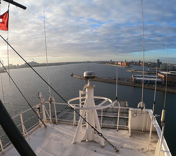 Iridium Certus SAILOR 4300 Cobham unit deployed on vessel