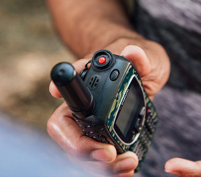 Iridium Extreme in Sporting Camo showing SOS button