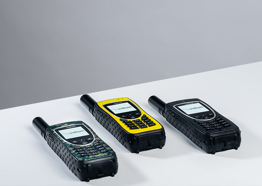 Iridium Extreme handsets in three colors