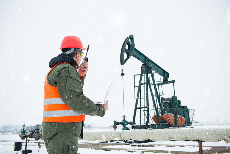 Industrial worker uses Iridium Extreme PTT